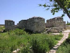 Руины монастыря Богородицы Влахернской на Загородном некрополе Херсонеса